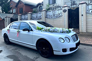 Аренда Bentley белый на свадьбу с водителем